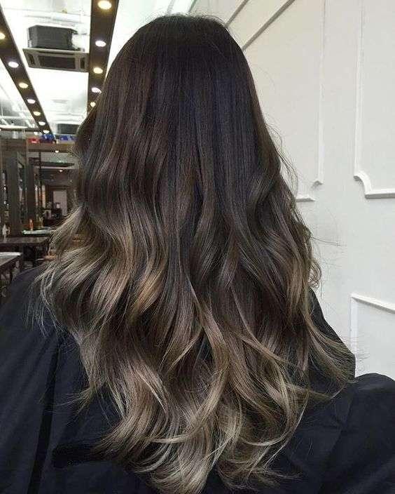 Shatush castano dorato per capelli lunghi
