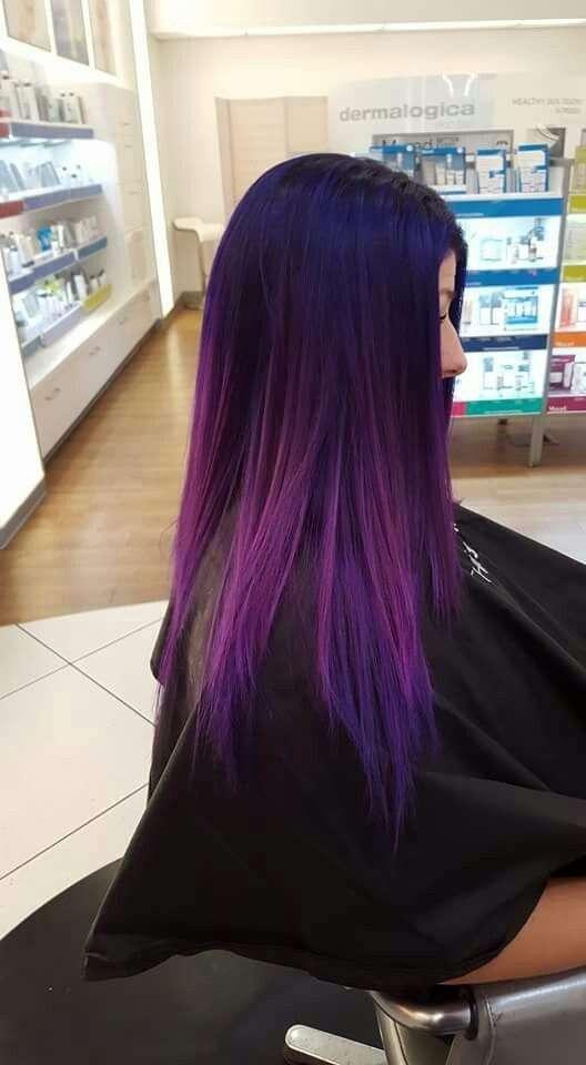 Shatush viola blu su capelli lisci neri