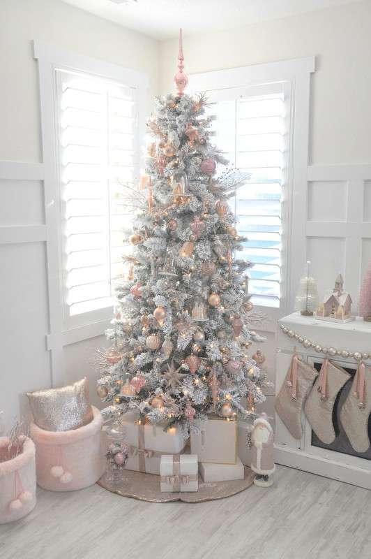 Albero di Natale bianco e oro