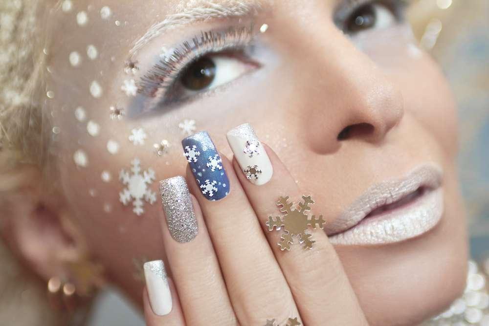 Decori natalizi per unghie glamour