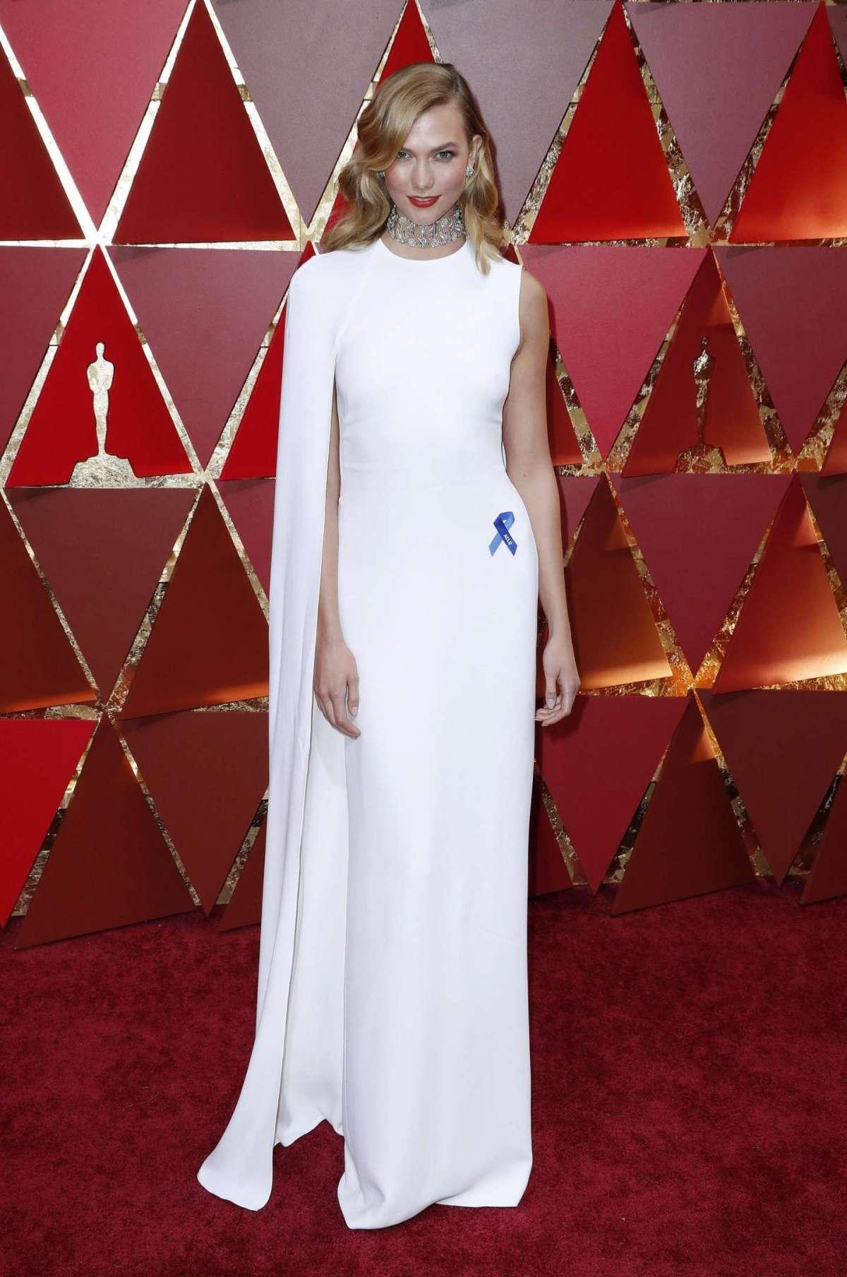 Karlie Kloss in Stella McCartney agli Oscar 2017