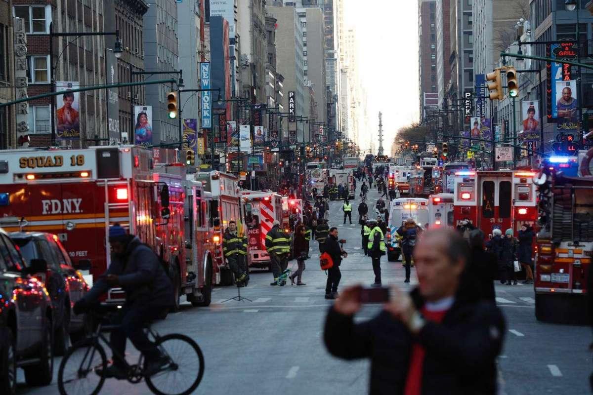 Manhattan: bomba esplode alla stazione dei bus