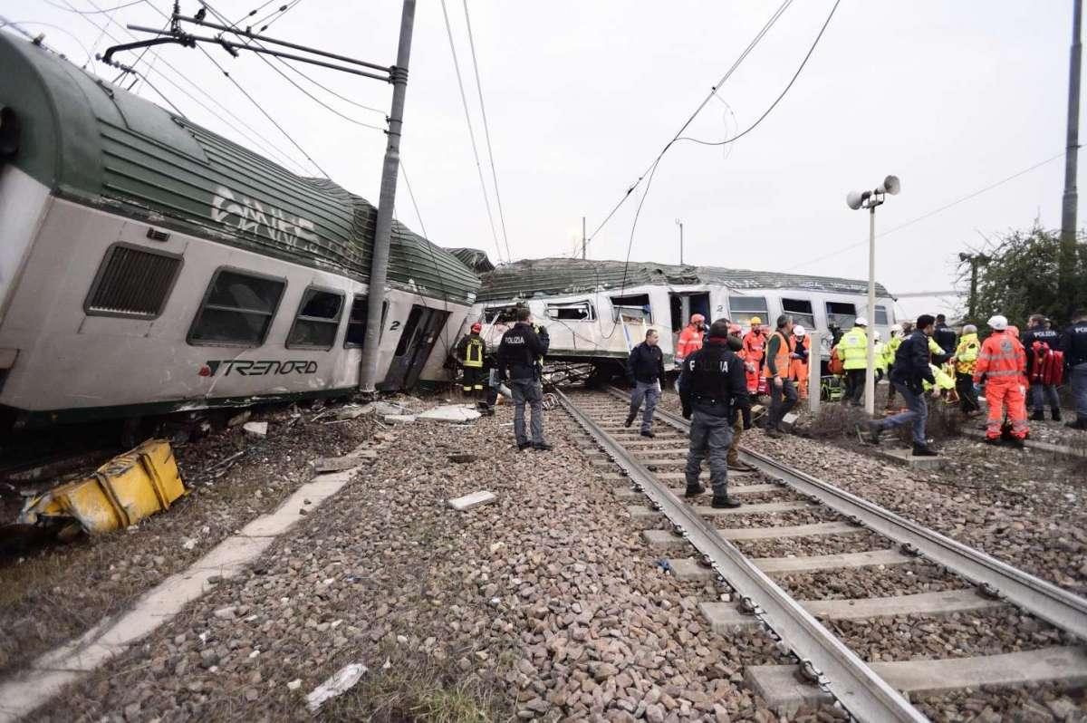 Due vagoni centrali coinvolti nel deragliamento