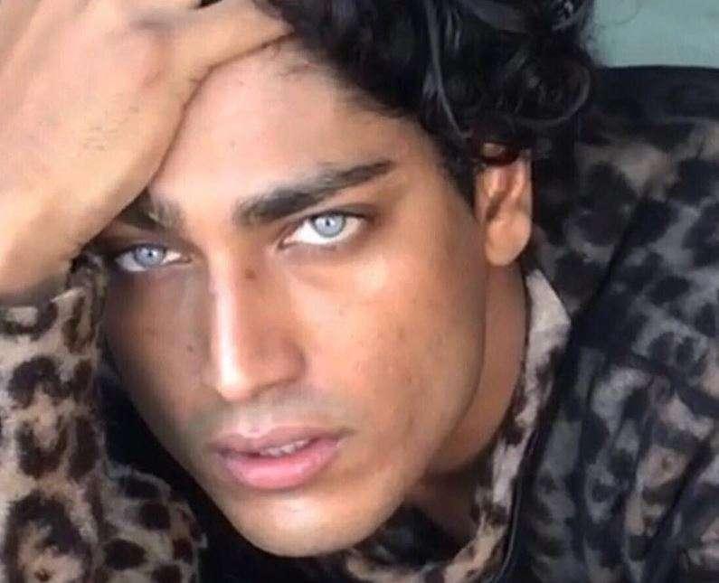 Akash Kumar, gli occhi di ghiaccio stregano il mondo
