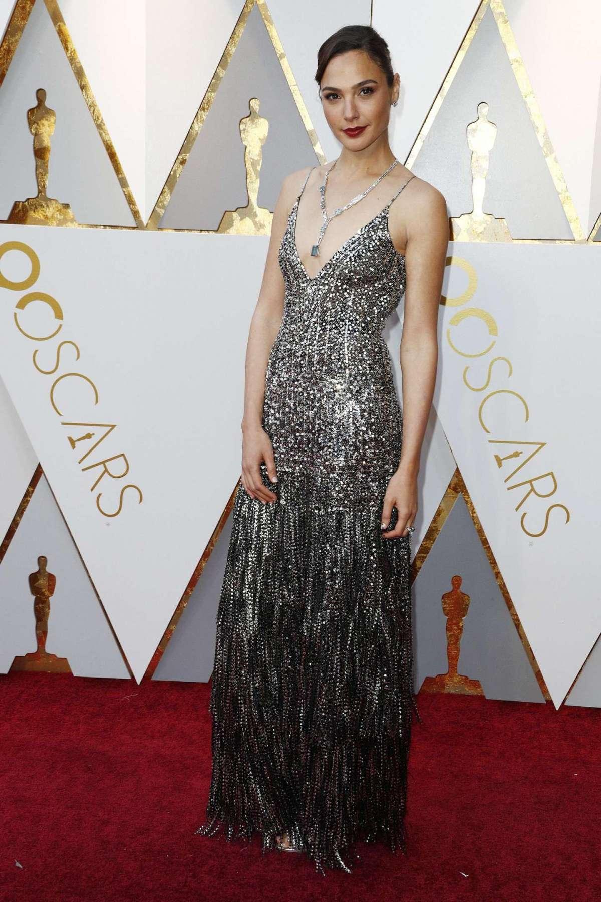Gal Gadot in Givenchy con gioielli Tiffany & Co