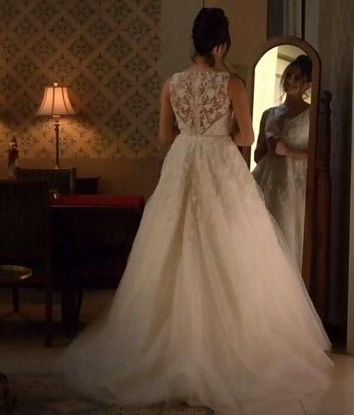 L'abito da sposa di Meghan Markle in Suits, dettaglio
