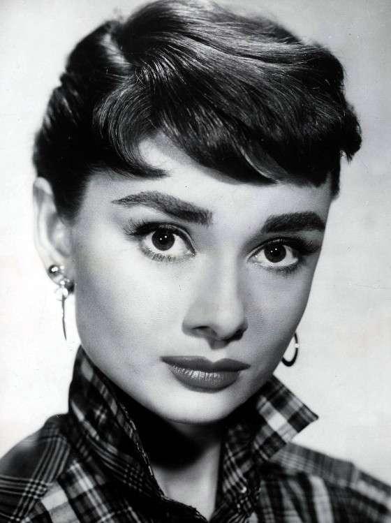 Le sopracciglia folte di Audrey Hepburn
