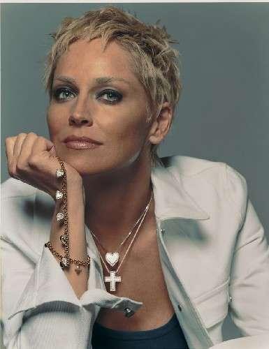 Sharon Stone, splendida cinquantenne