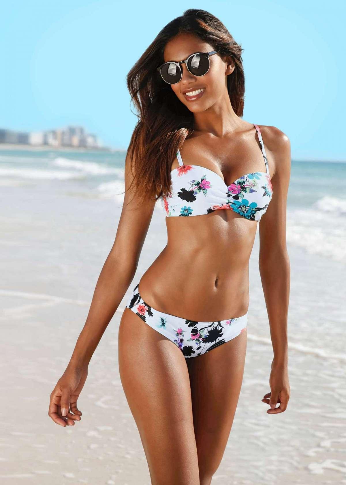 Bikini a fiori Bonprix a 23,99 euro