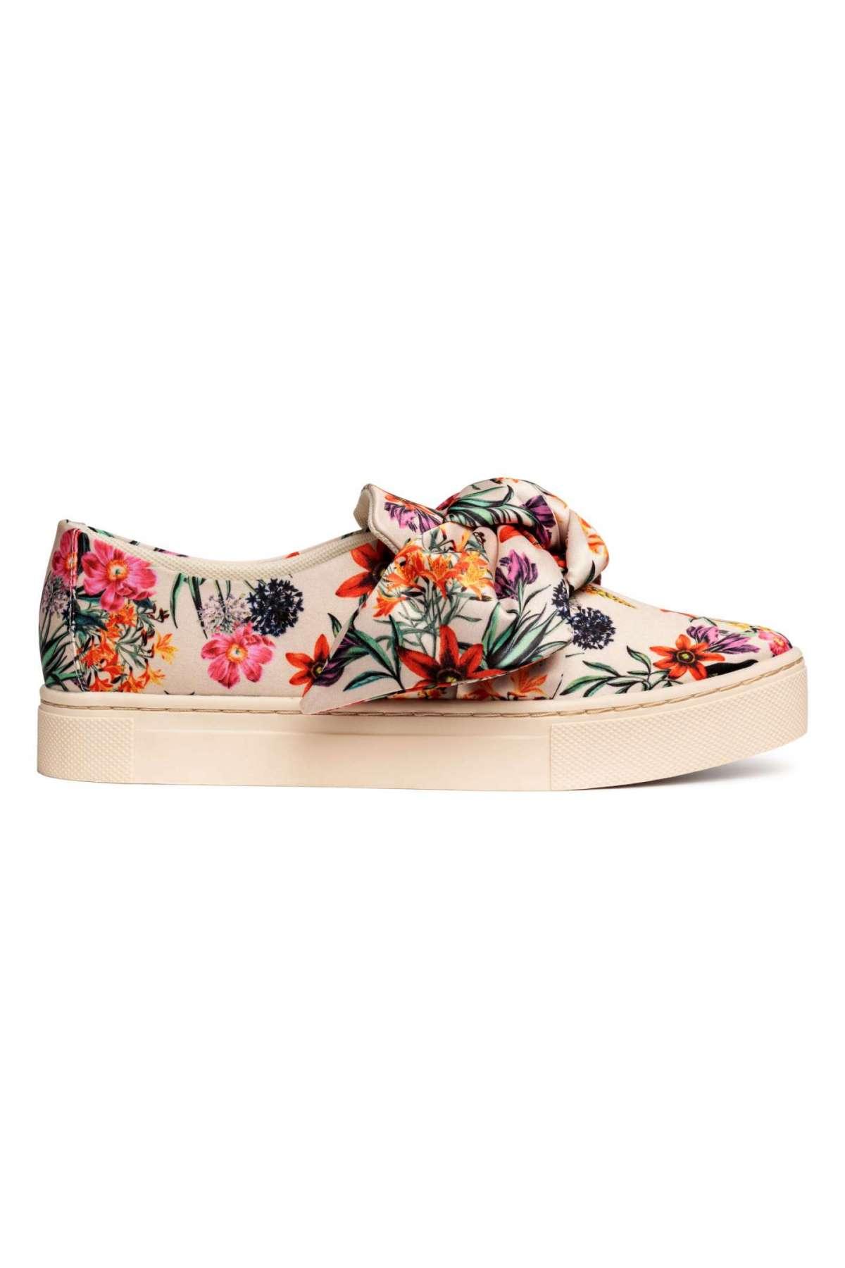 Scarpe da ginnastica a fiori H&M a 29,99 euro