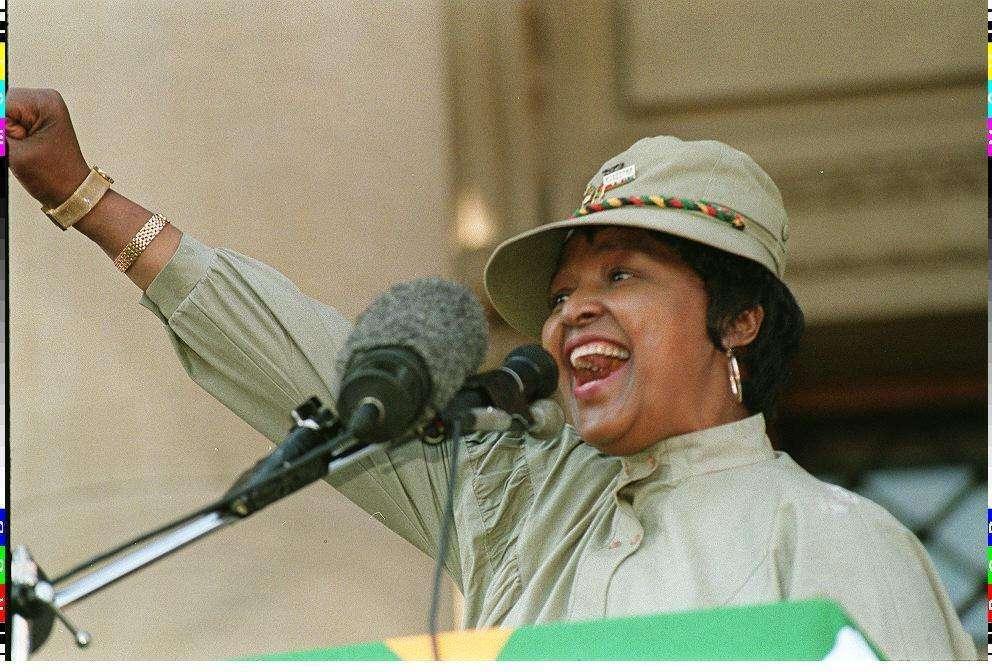 Una vita contro l'apartheid: Winnie, 'madre del Sudafrica'
