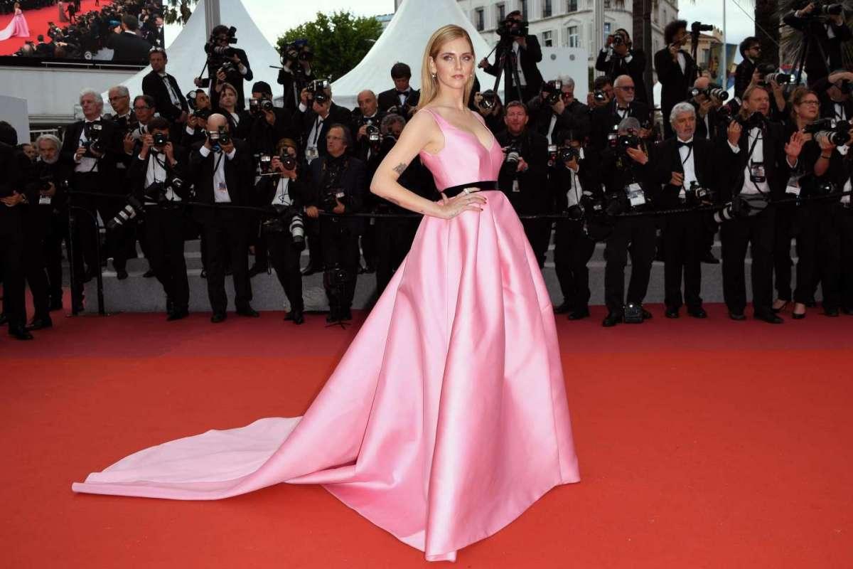 Chiara in abito rosa