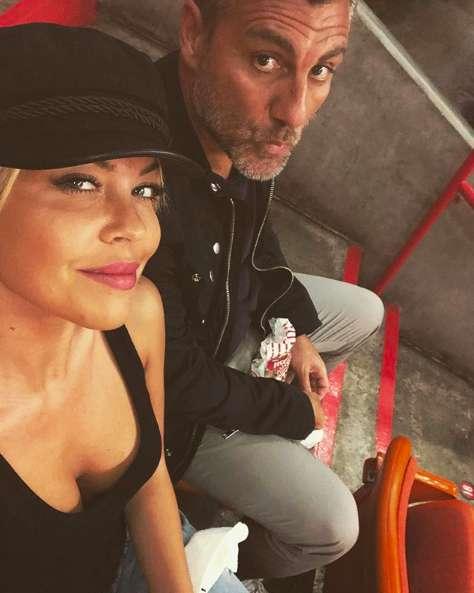 Il selfie di Bobo Vieri e Costanza Caracciolo