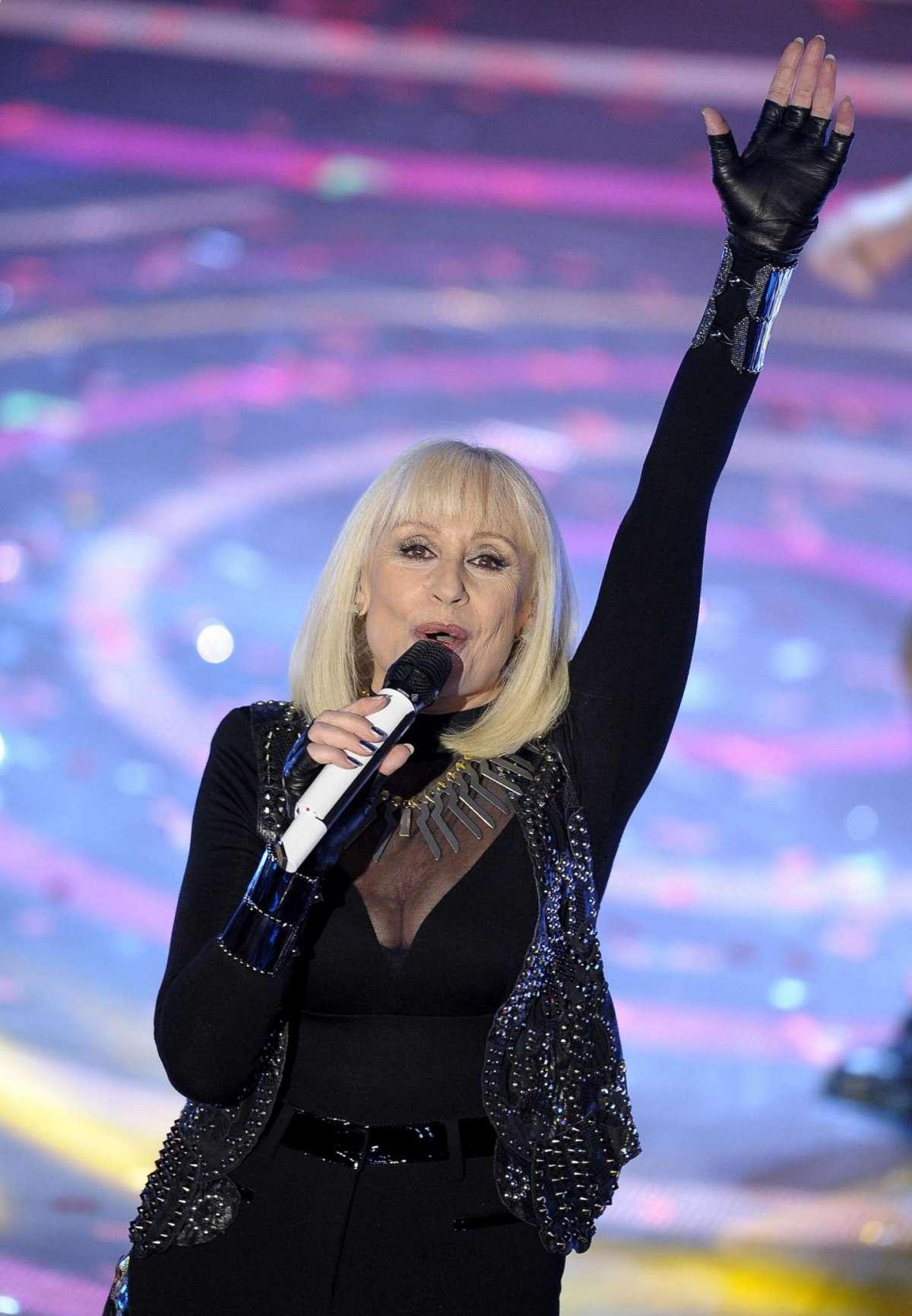 Raffaella sul palco dell'Ariston