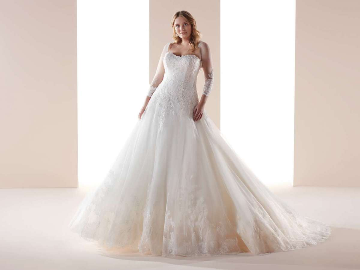 Abito da sposa da principessa per taglie forti Nicole Lovely Wedding Curves