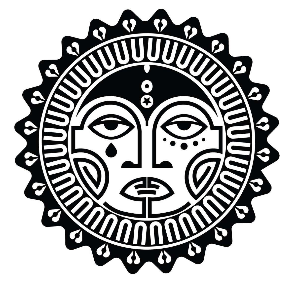 Disegno in bianco e nero per tatuaggio con sole maori