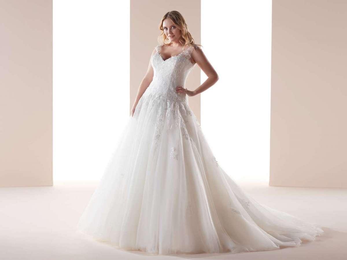 Vestito da sposa in pizzo Nicole Lovely Wedding Curves