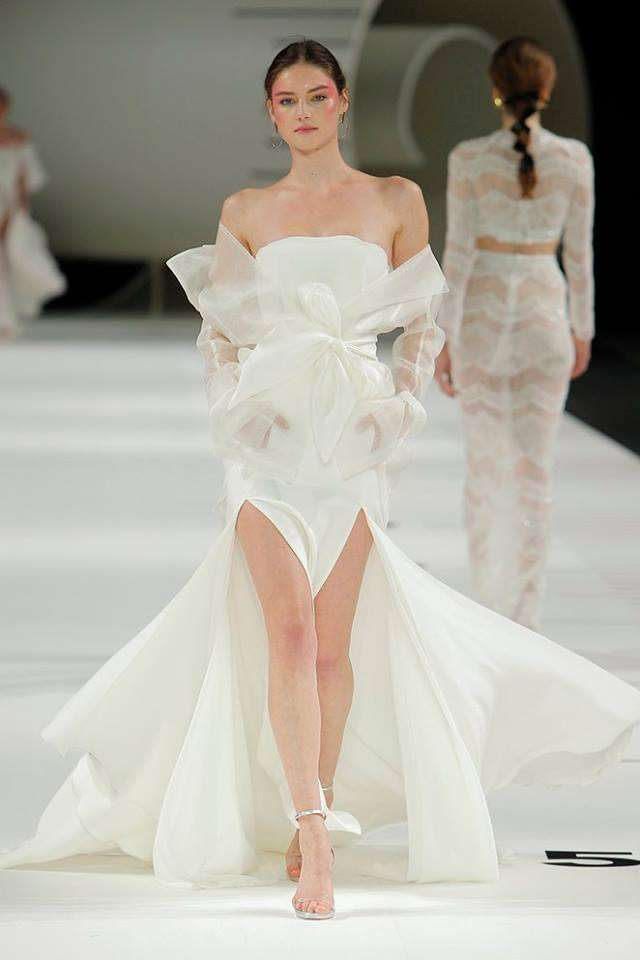 Vestito da sposa in seta asimmetrico Yolan Cris