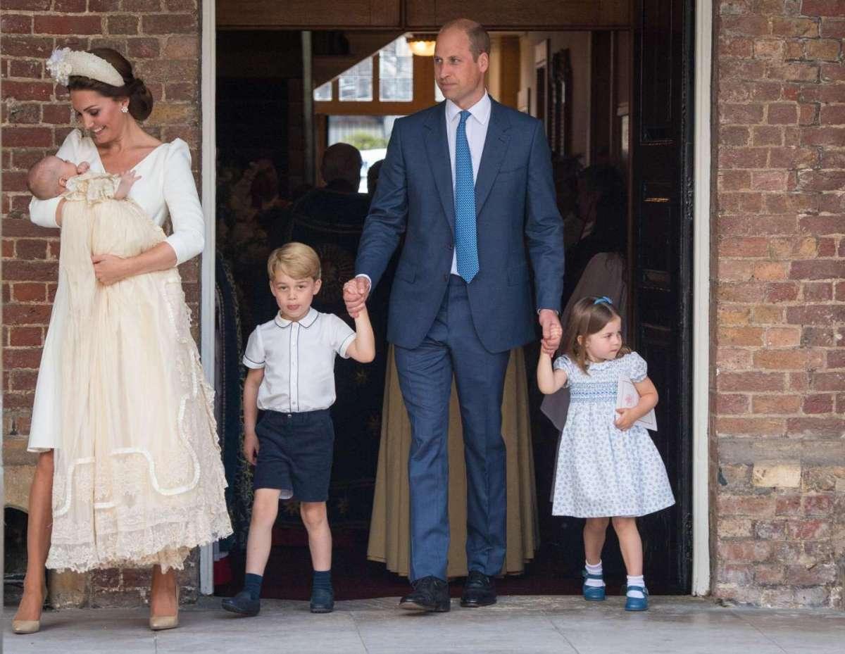 William, Kate e figli al battesimo di Louis