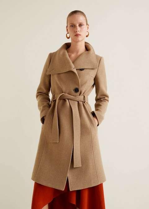 Cappotto beige con cintura Mango a 149,99 euro