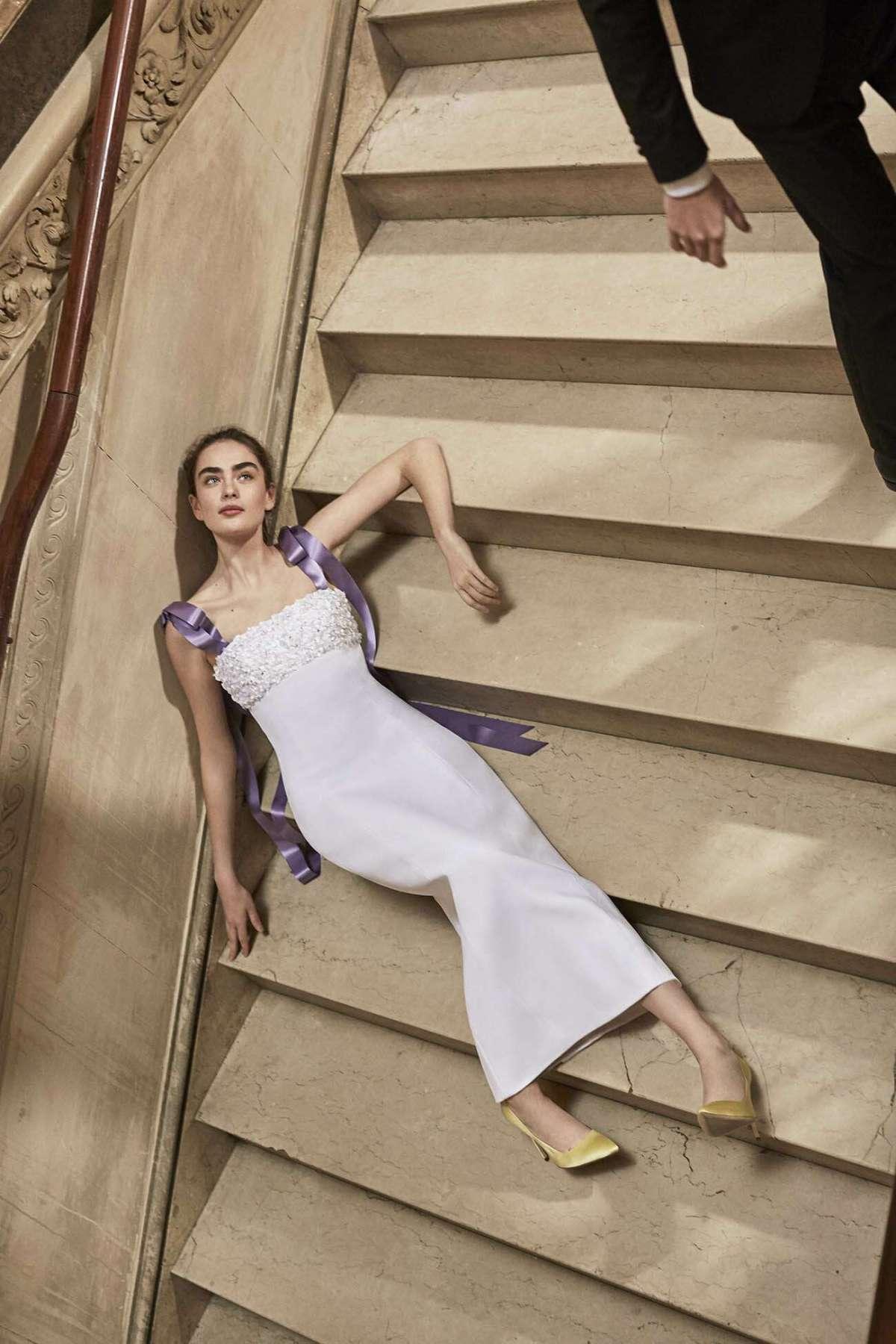 Abito da sposa a colonna con bretelle viola Carolina Herrera