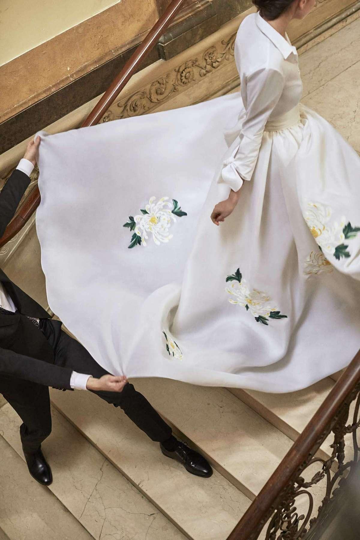 Abito da sposa stile chemisier a fiori Carolina Herrera