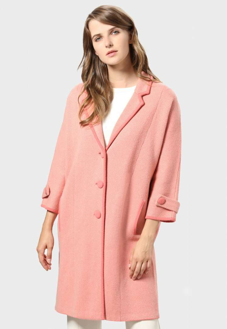 Cappotto in maglia rosa Stefanel a 365 euro