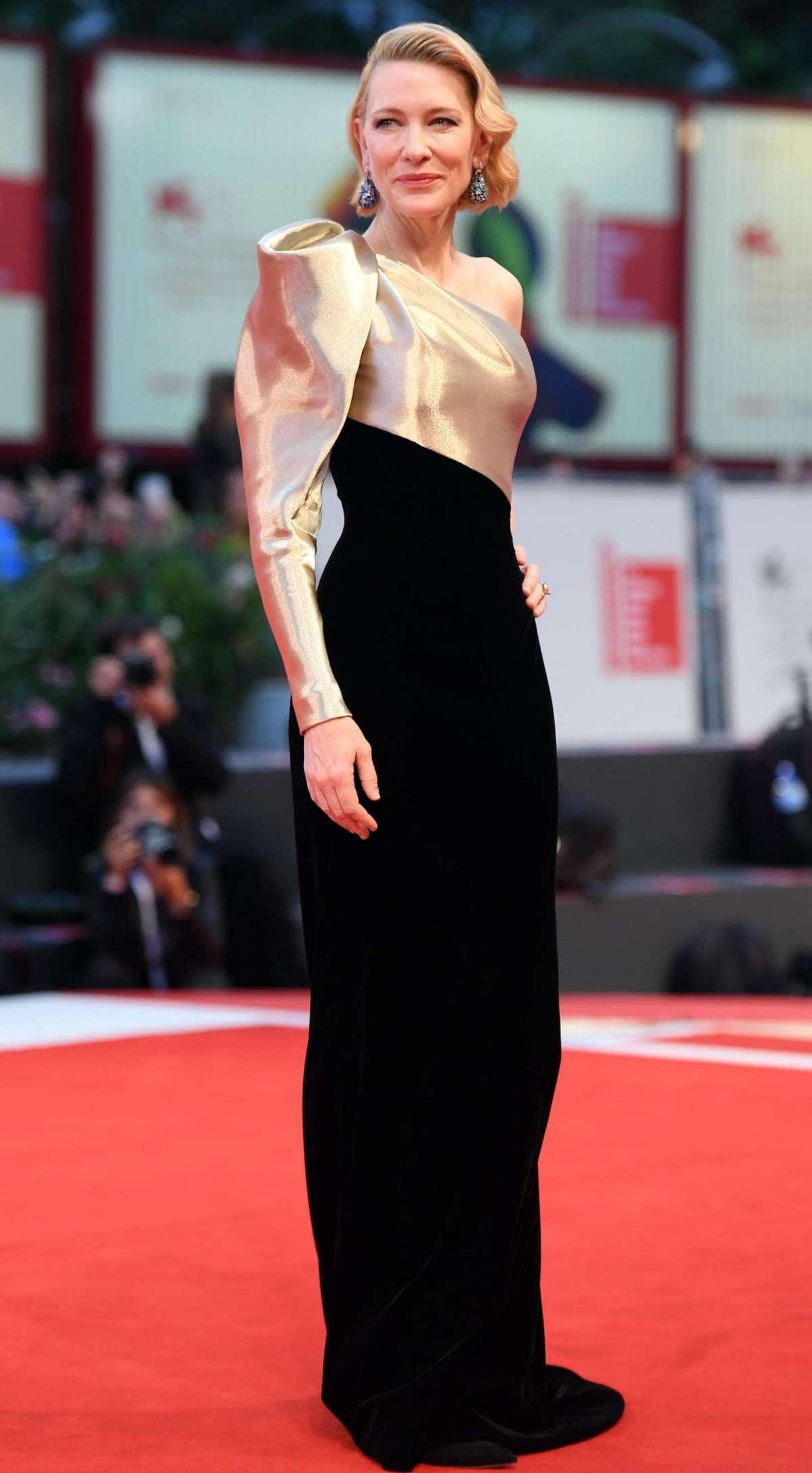 Cate Blanchett in Armani Privè con gioielli Chopard