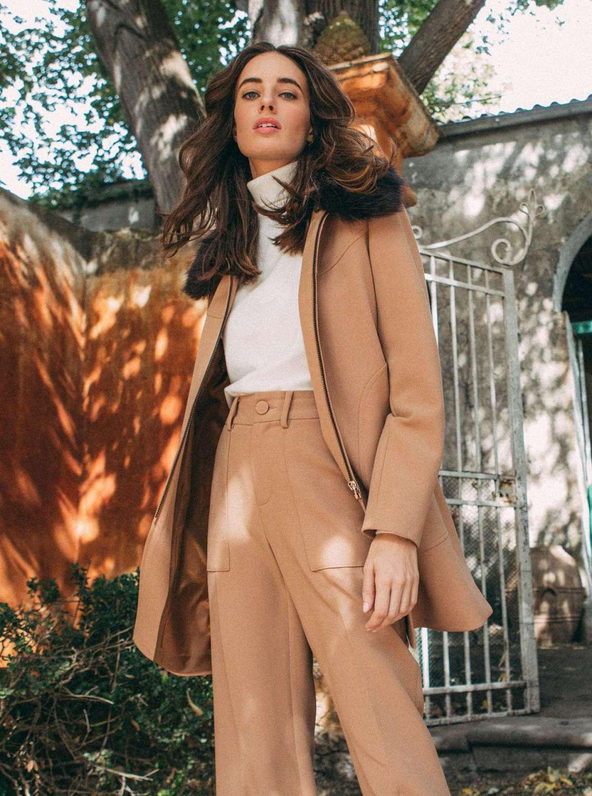 Cappotto cammello con pelliccia Piazza Italia a 69,95 euro