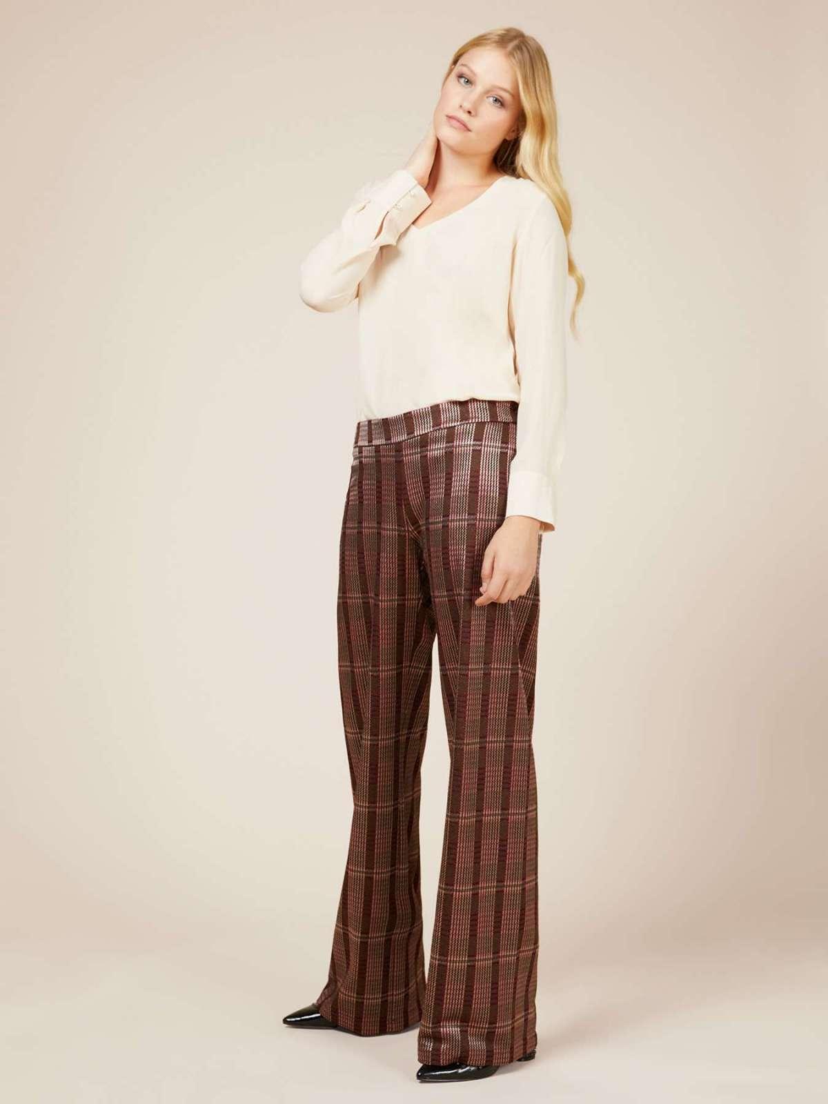 Pantaloni ampi Oltre a 89 euro