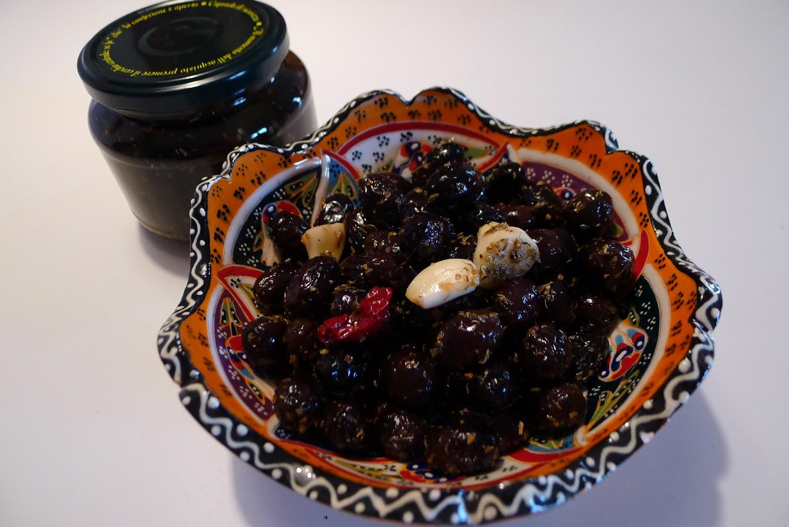 olive nere sott'olio infornate