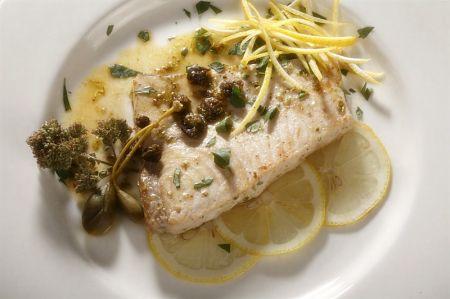 pesce spada con capperi e limone