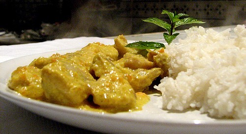 pollo al curry e riso pilaf
