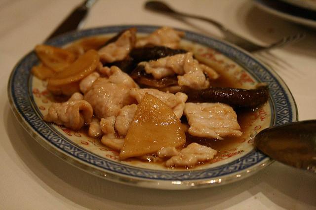 Pollo con funghi e bambù