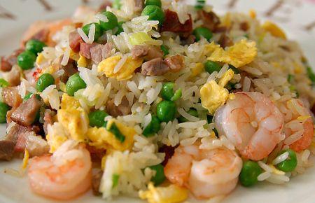 riso alla cantonese con gamberetti
