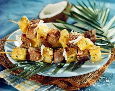 spiedini tonno ananas