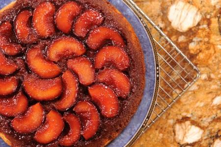Torta rovesciata alle prugne