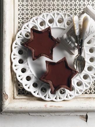 Crostatine al cioccolato ripiene di crema
