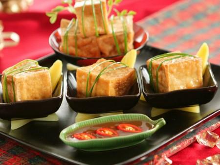 Tofu fritto con zucchine in agrodolce