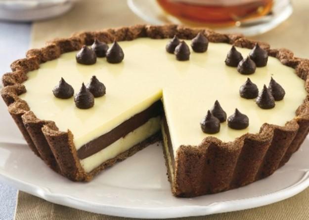torta con doppio strato di cioccolato