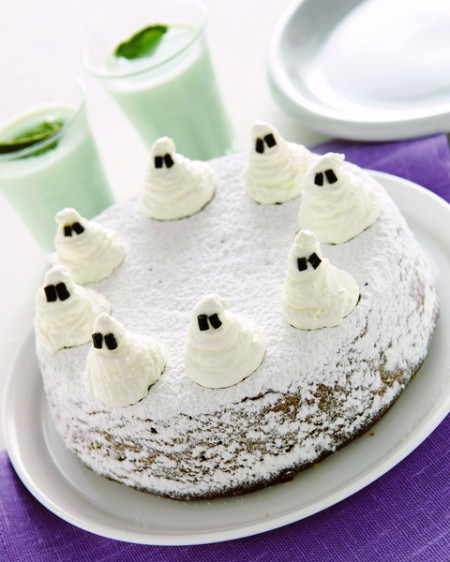 Torta con fantasmini per Halloween